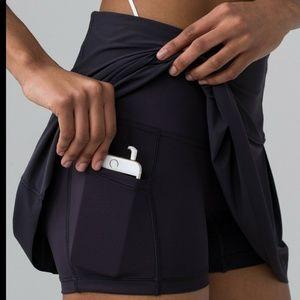 lululemon athletica Skirts - Lululemon Lost In Pace Skirt Size 8(tall) Black